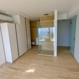 Entrance with glass door - CAP D'AIL Residence - Kristal SA