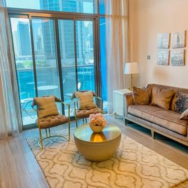 Yellow and white living room - Dubai Apartment - Kristal property